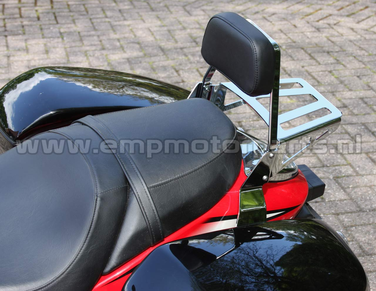 Sissybar de Luxe Low Suzuki (2)