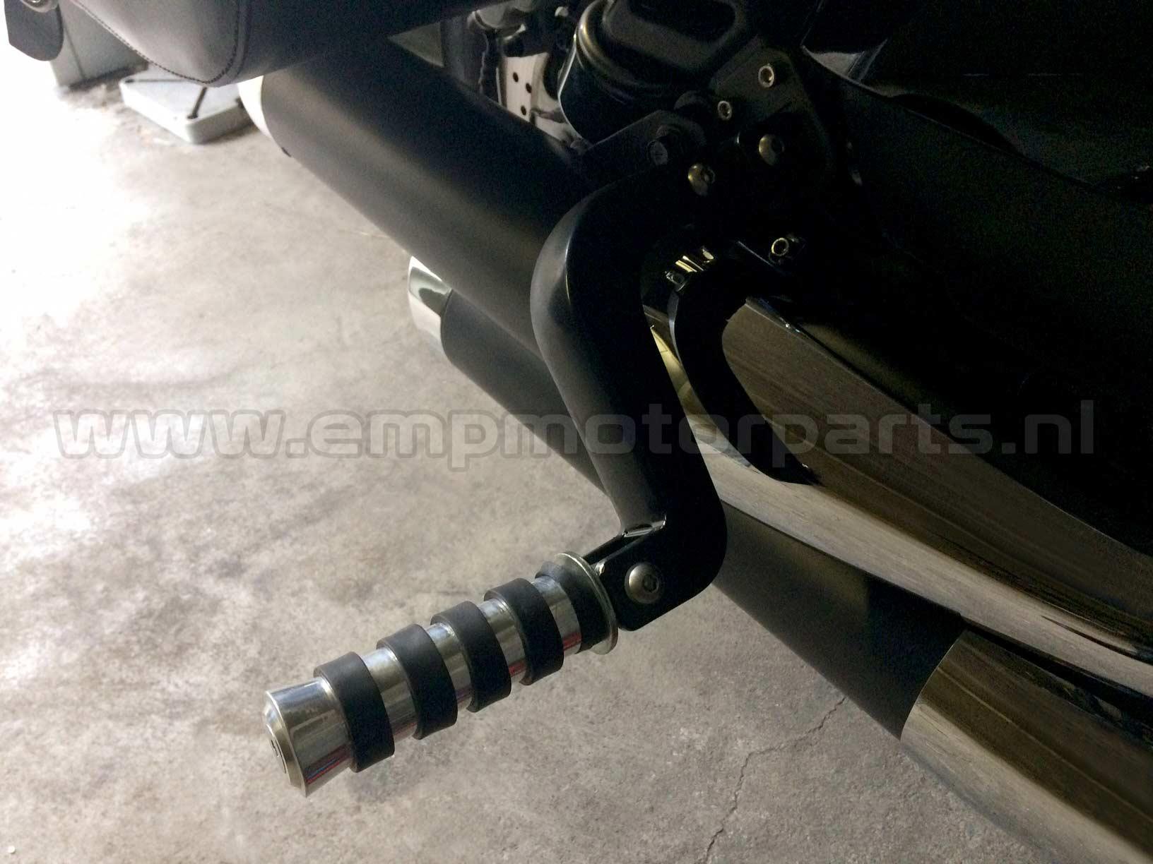 Footpeg lowering set (black coated) Kawasaki (2)
