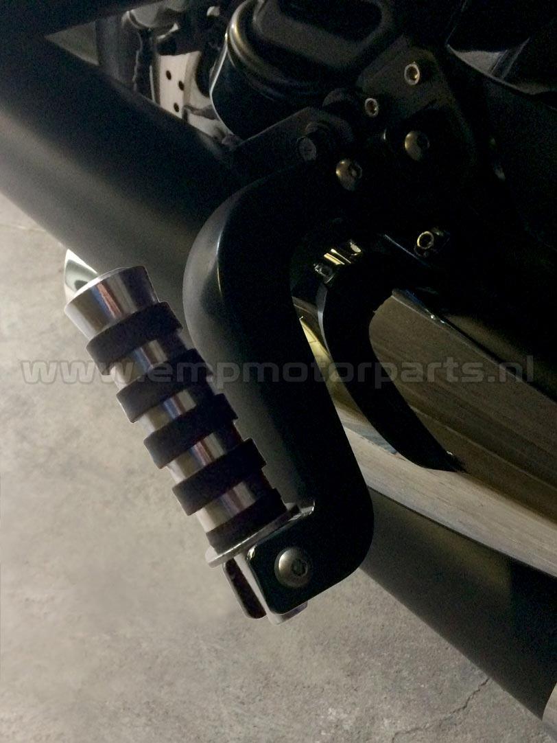 Footpeg lowering set (black coated) Kawasaki (3)