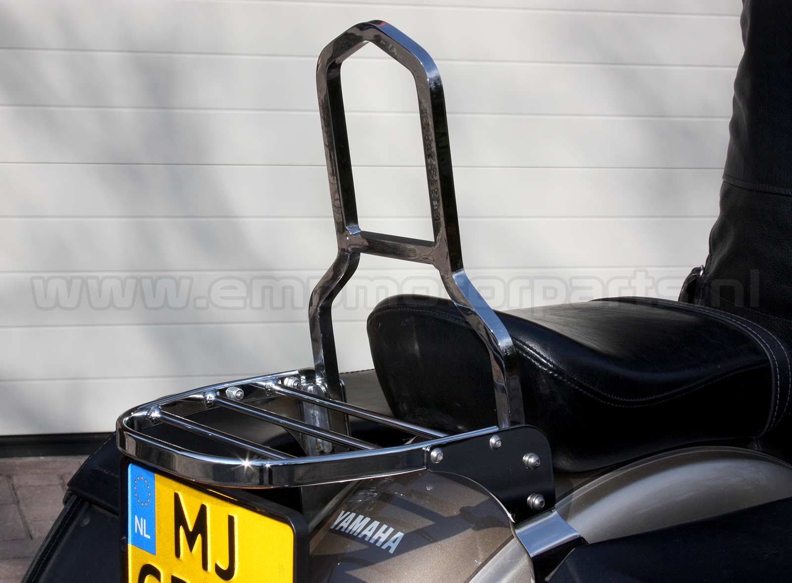 Bagagedrager universeel Luggage carrier, suitable for an model sissy bar as on the picture. (4)